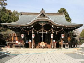 琴崎八幡宮.jpg